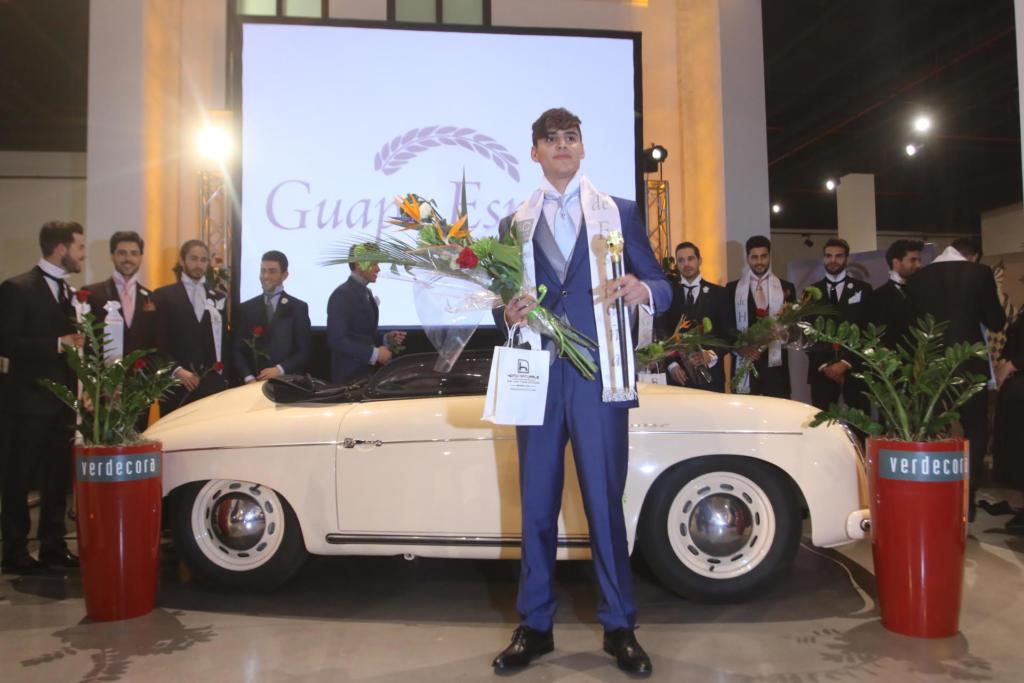 Manuel d az torralbo gana el certamen de modelos guapo for Verdecora malaga